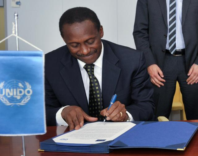 Visit of Kandeh K. Yumkella, Director-General of the UNIDO, to the EC