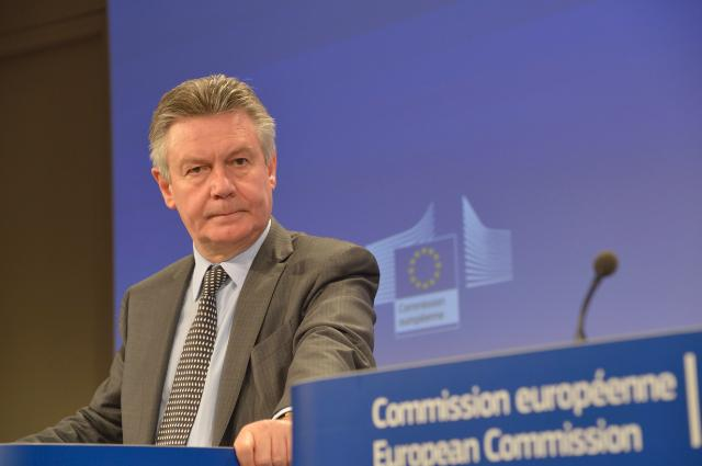 Press conference by Karel De Gucht, Member of the EC, on the decision to impose provisional anti-dumping measures on imports of solar panels from China