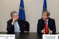 Signature d'un protocole d'accord sur la coopération dans le domaine de l'agriculture et du développement rural entre la CE et la BEI