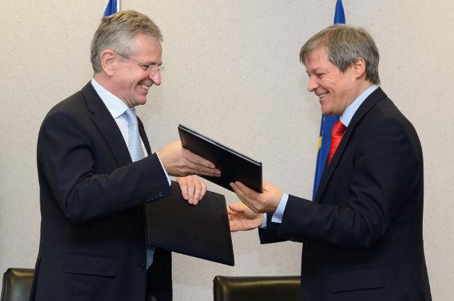 Signature of a Memorandum of Understanding on the co-operation in agriculture and rural development between the EC and the EIB