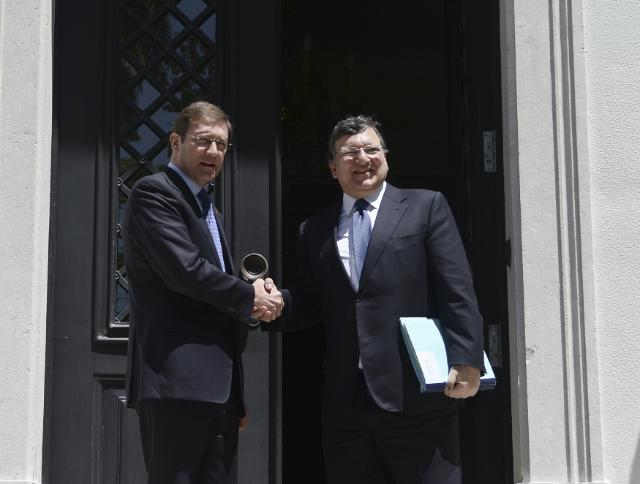 "Illustration of ""Visit of José Manuel Barroso, President of the EC, and Johannes Hahn, Member of the EC, to Portugal"""