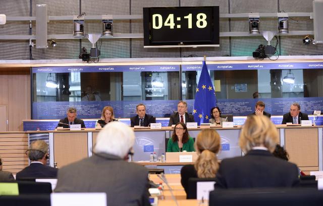 Cecilia Malmström, in the centre