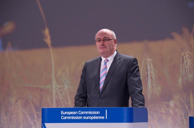 Press conference by Phil Hogan, Member of the EC, on the first three Rural Development Programmes for the period 2014-2020 approved by the EC