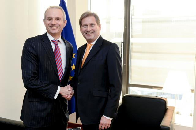 "Illustration of ""Johannes Hahn reçoit David Lidington, ministre adjoint britannique chargé de l'Europe et de l'OTAN au..."