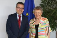 Visit of Françoise Barré-Sinoussi, Immediate Past President of the International AIDS Society, to the EC