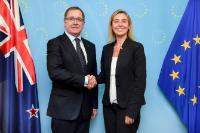 Visite de Murray McCully, ministre néo-zélandais des Affaires étrangères, à la CE