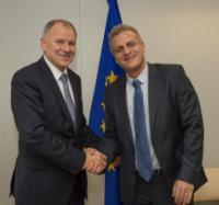 Visite de Petǎr Moskov, ministre bulgare de la Santé, à la CE
