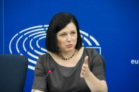 Press conference by Vĕra Jourová, Member of the EC, on promoting early restructuring to support growth and protect jobs