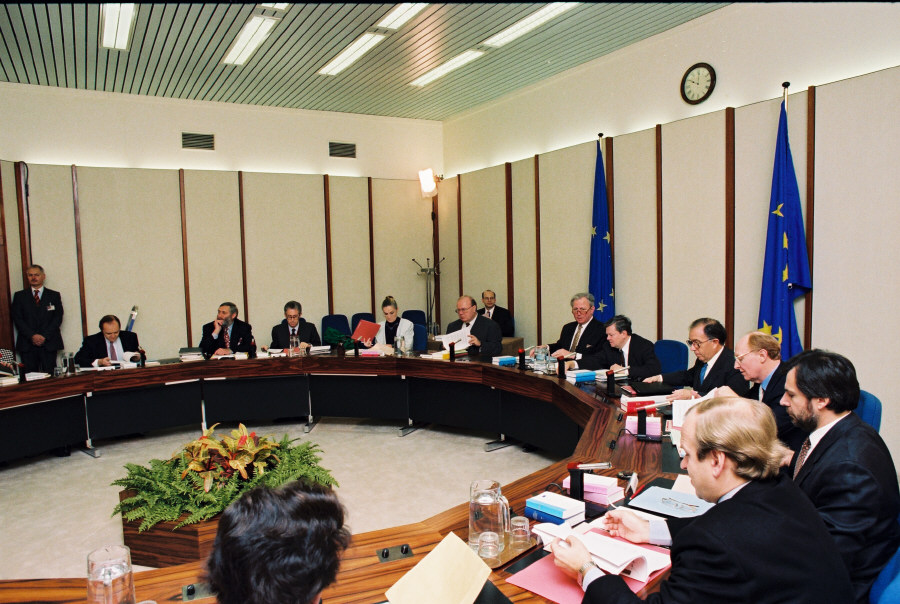Meeting of the Santer Commission at the Palais d'Egmont