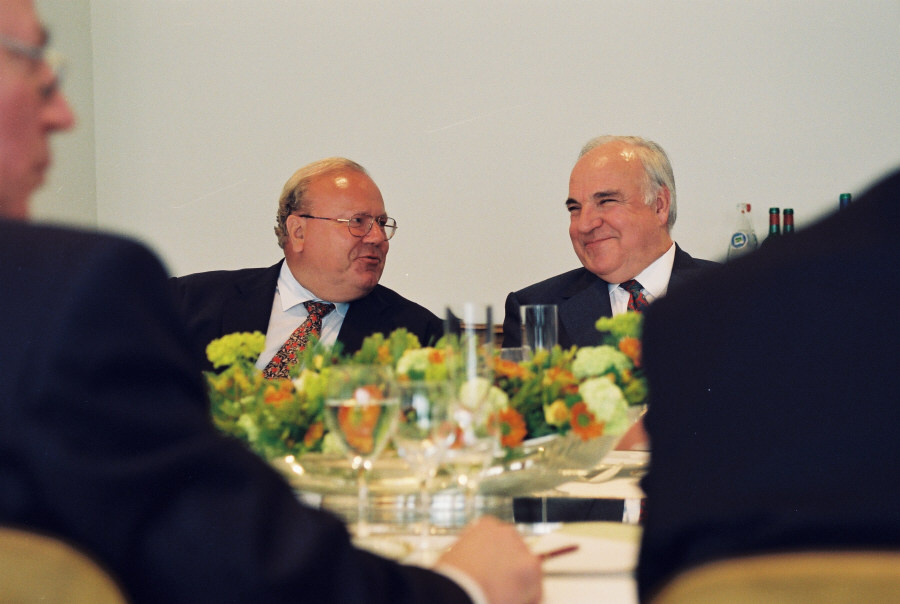 Visit of Helmut Kohl, German Federal Chancellor, to the EC