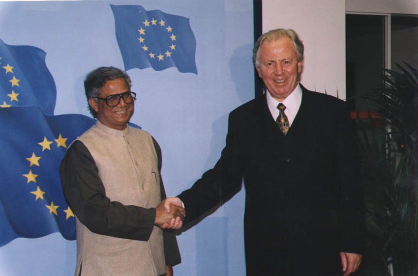 Visit by Muhammad Yunus, Founder of the Grameen Bank, to the EC