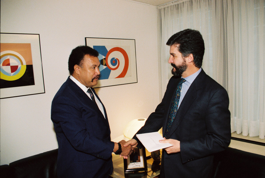 Presentation of the credentials of the Head of the Mission of the Solomon Islands to Manuel Marín, Vice-President of the CEC