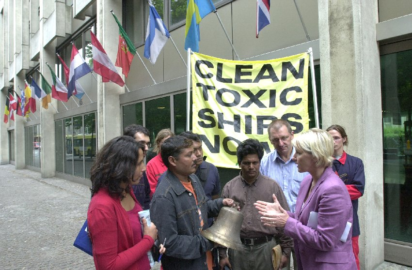 Greenpeace delegation at the EC