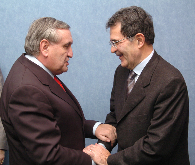 Visit by Jean-Pierre Raffarin, French Prime Minister, to the EC