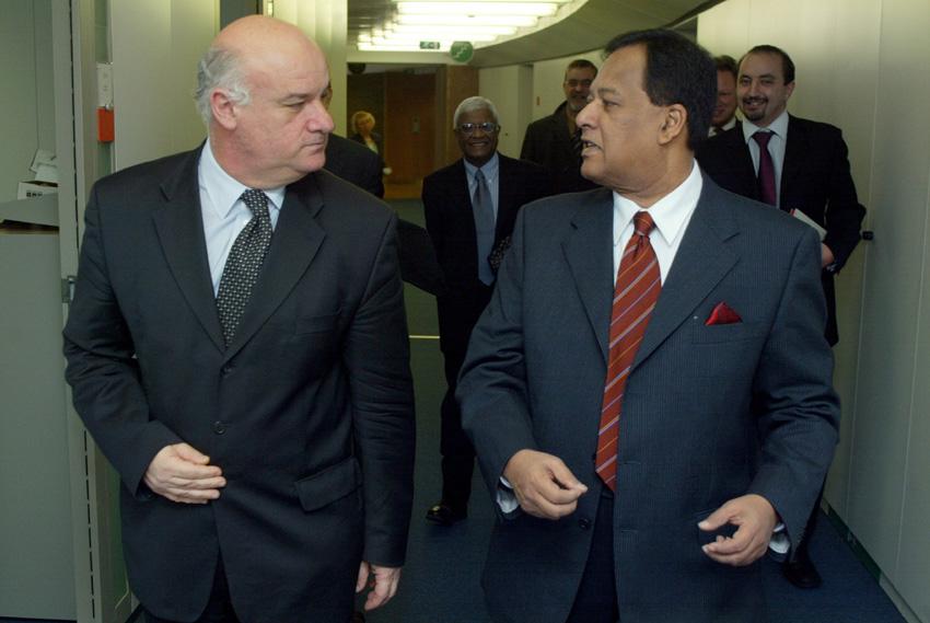 Visite de Sarath Amunugama, ministre sri-lankais des Finances et de la Planification, à la CE