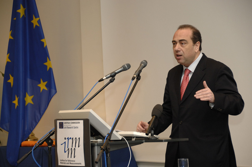 Markos Kyprianou, Member of the EC, at the inauguration of the laboratories of the Institute for Reference Materials and Measurements