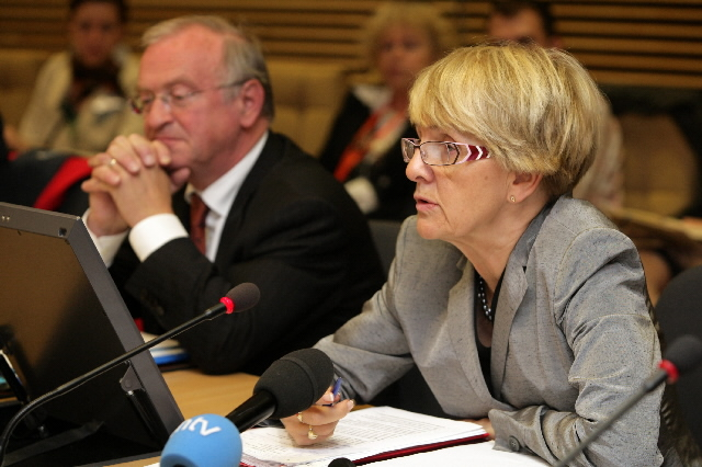 Press conference by Danuta Hübner, Member of the EC, and Luc van den Brande, President of the COR