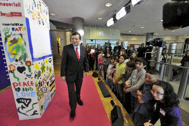 Participation of José Manuel Barroso, President of the EC, at the Domino action
