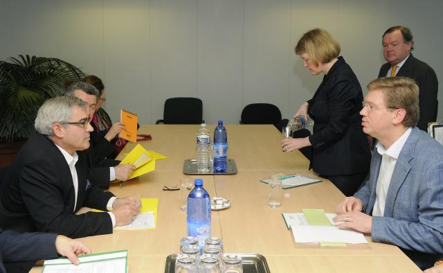 Visite de Sven Alkalaj, ministre des Affaires étrangères de Bosnie-et-Herzégovine, à la CE