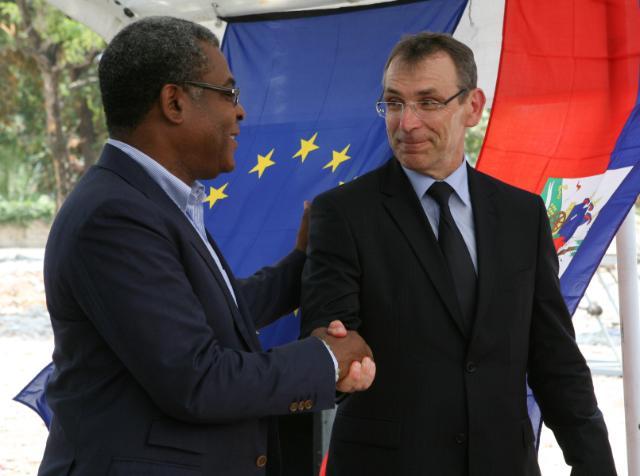 Visite d'Andris Piebalgs, membre de la CE, à Haïti