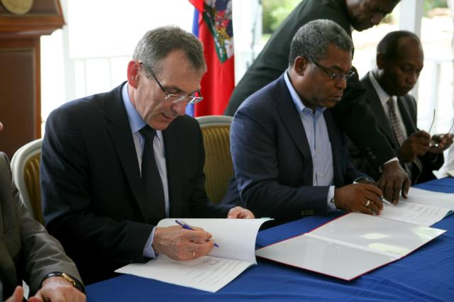 Visit of Andris Piebalgs, Member of the EC, to Haiti