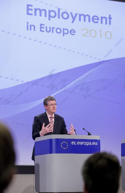 Conférence de presse de László Andor, membre de la CE, suite à la publication du rapport sur l'emploi en Europe en 2010