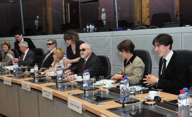 Visite d'une délégation du Forum européen des personnes handicapées à la CE