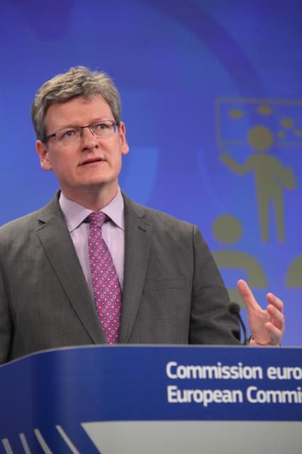 Conférence de presse de László Andor, membre de la CE, sur la mise en place d'un réseau des services publics de l'emploi pour stimuler la création d'emploi