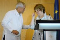 Discussion between Albert F. del Rosario, on the left, and Catherine Ashton