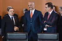 Edi Rama, in the centre, and José Manuel Barroso, on the left