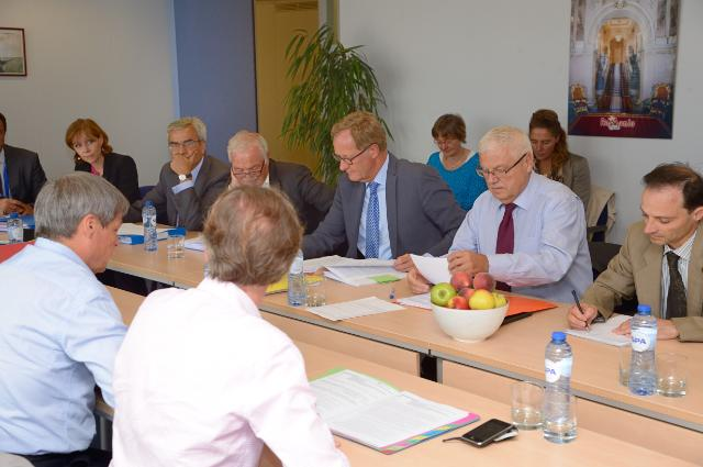 Participation of Dacian Cioloş, Member of the EC, in a meeting to discuss the exceptional support measures for EU producers of Agri-food products following Russia sanctions on the import of EU Agriculture products