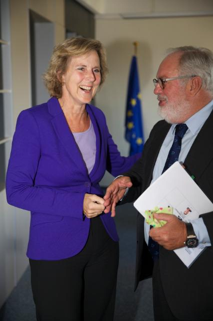 Meeting between Miguel Arias Cañete, Member designate of the EC, and Connie Hedegaard, Member of the EC