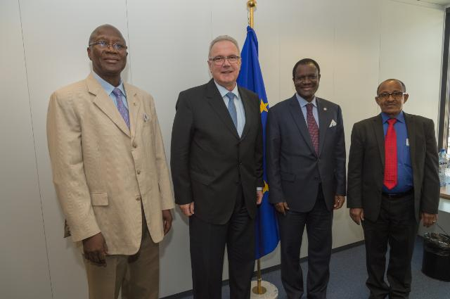 Visit of a delegation from ECOWAS and WAEMU to the EC