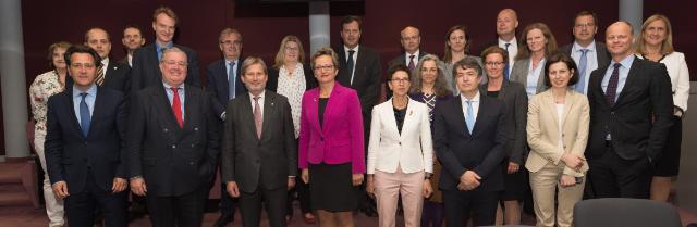 Visite des directeurs exécutifs européens de la Banque mondiale à la CE
