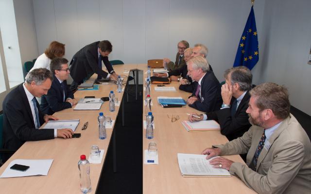 Visite de présidents d'académies européennes à la CE