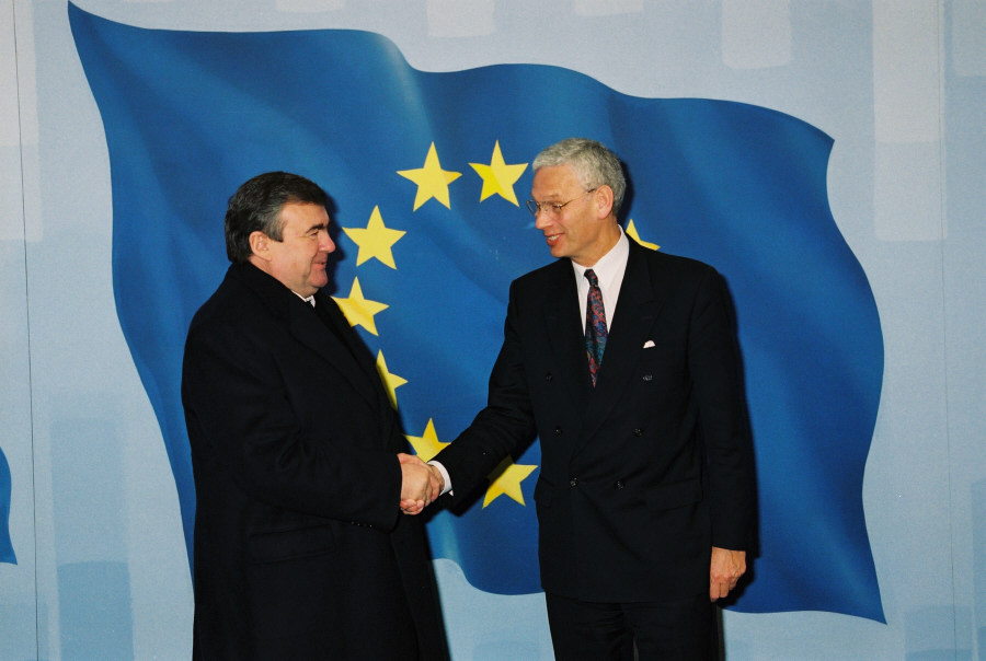 Visit of Mircea Snegur, President of Moldova, to the EC