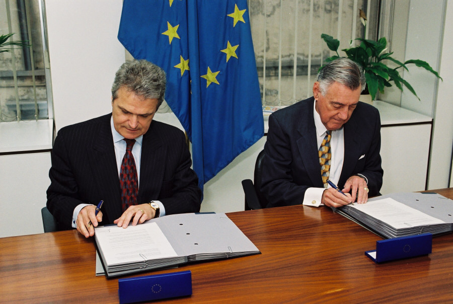 Initialling of EU-United States agreement on drugs precursors
