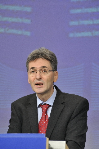 Press conference by Leonard Orban, Member of the EC, to present the communication
