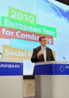 Conférence de presse de László Andor, membre de la CE, sur les résultats de l'enquête Eurobaromètre sur les répercussions sociales de la crise