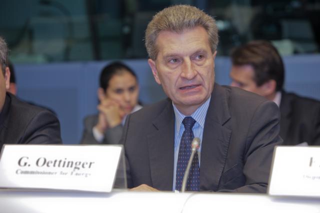 Participation de Günther Oettinger, membre de la CE, à la conférence sur l'énergie de la Géorgie