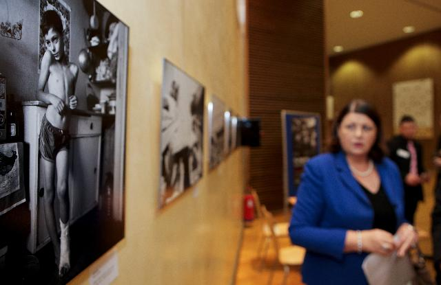 Opening by Máire Geoghegan-Quinn, Member of the EC, of the photo exhibition The Neglected to celebrate the World AIDS day 2010
