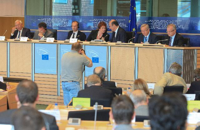 Participation of Olli Rehn, Member of the EC, at the Extraordinary Meeting of the Committee on Economic and Monetary Affairs of the EP