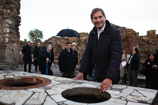 "Commissioner Hahn announces public ""stocktaking"" exercise of  EU funded Pompeii Major project"