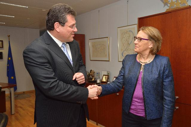 Visit of Marylise Lebranchu, French Minister for Administrative Reform, Decentralization and the Civil Service, to the EC