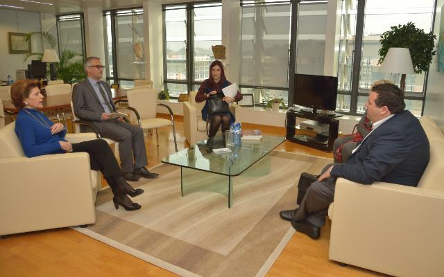 Visit of Kyriakos Kenevezos, Cypriot Minister for Education and Culture, to the EC