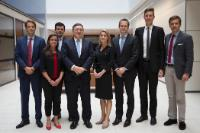 Group photo with students from Yale University: José Manuel Barroso, 4th from the left