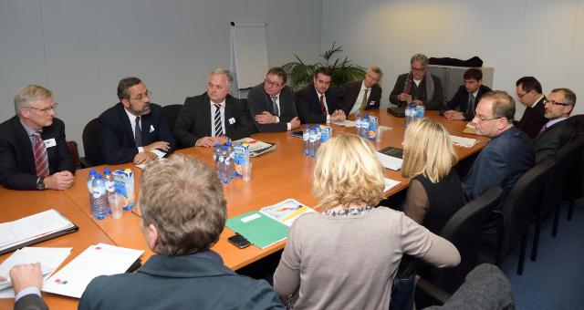 Visit of a delegation from the GESAC to the EC