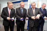 """Illustration of """"Participation de Jean-Claude Juncker, président de la CE, à l'inauguration du nouveau bureau de Bruxelles..."""