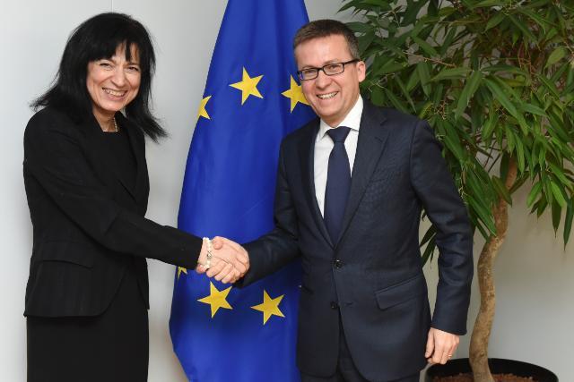 Visit of Maria Khorsand, President of the EARTO, to the EC