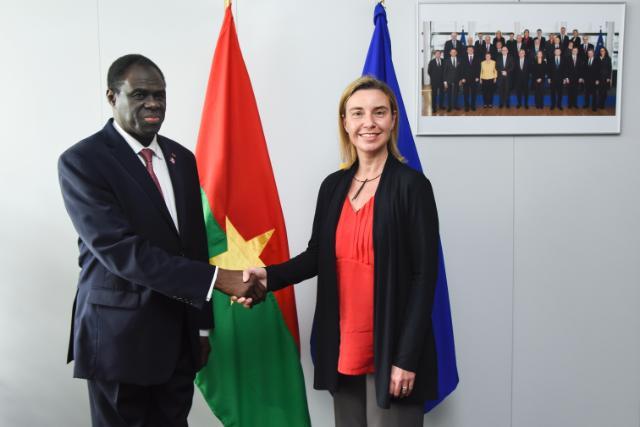 Signature d'un accord entre l'UE et le Burkina sur un appui budgétaire en soutien au gouvernement de transition du Burkina